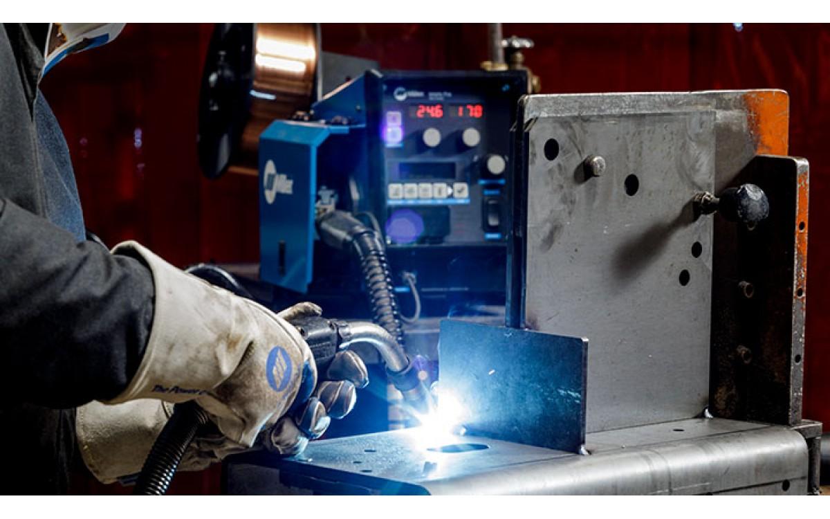 Tìm hiểu thêm về các công nghệ và phương pháp hàn, bao gồm hàn MIG xung, sẽ giúp ích cho bạn khi hàn nhiều vật liệu khác nhau.