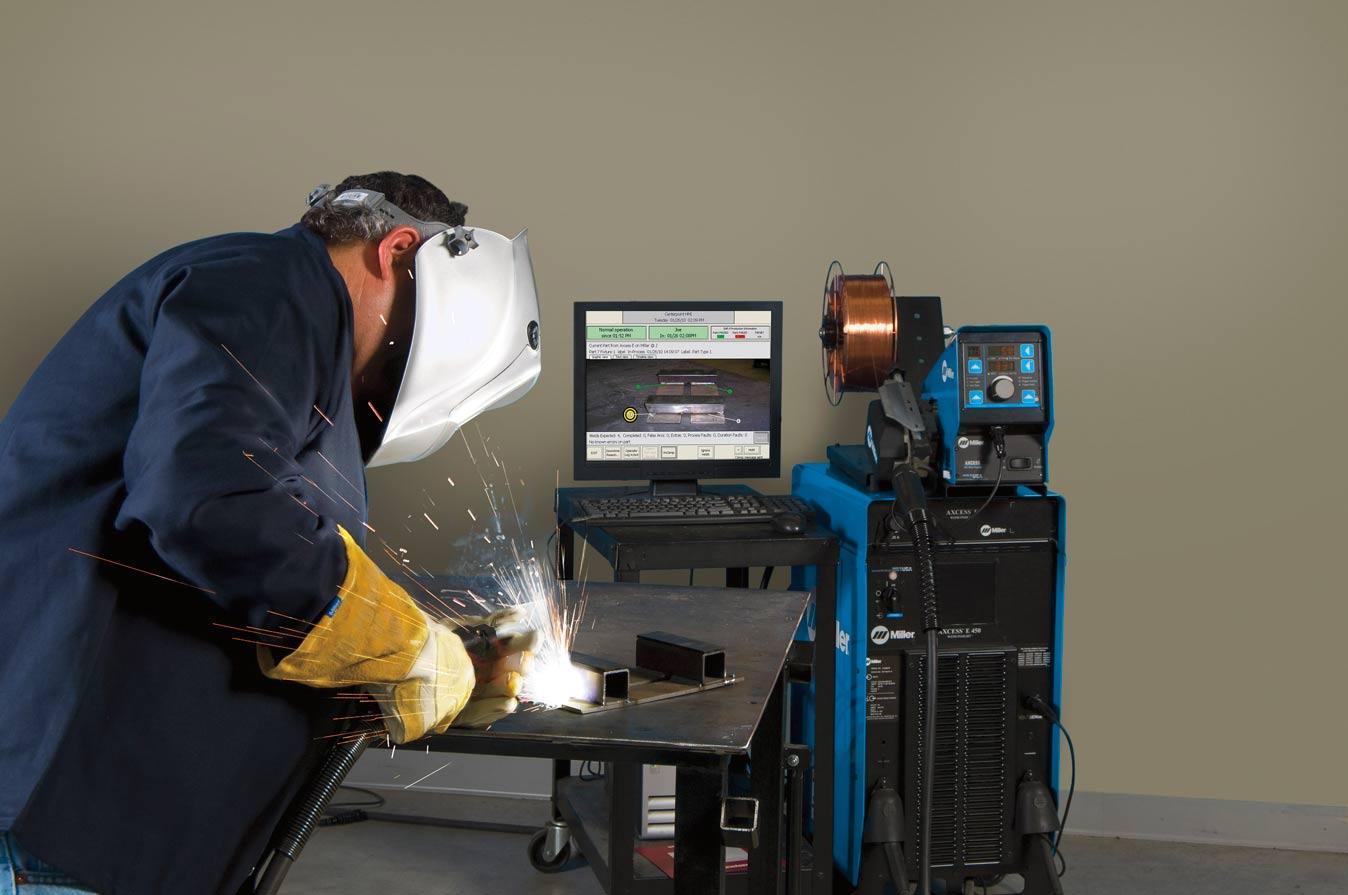 Axcess-E-Operator-Welding-1